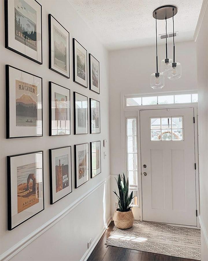Decorar paredes con fotos y marcos