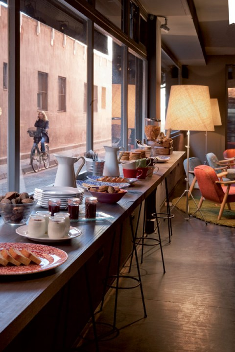chic-and-basic-hotel-Barcelona-05
