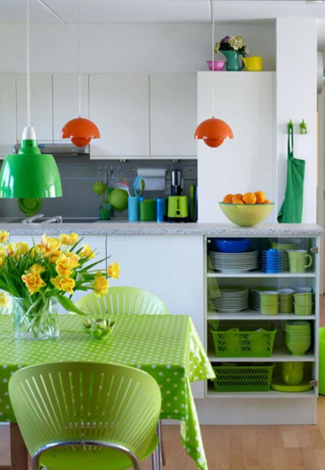 Muebles de colores vivos en dise o de interiores decorar - Cocinas con colores vivos ...