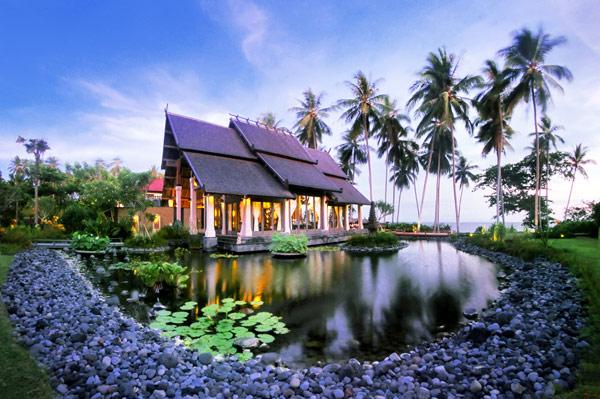 Exclusivo hotel en la selva de Bali