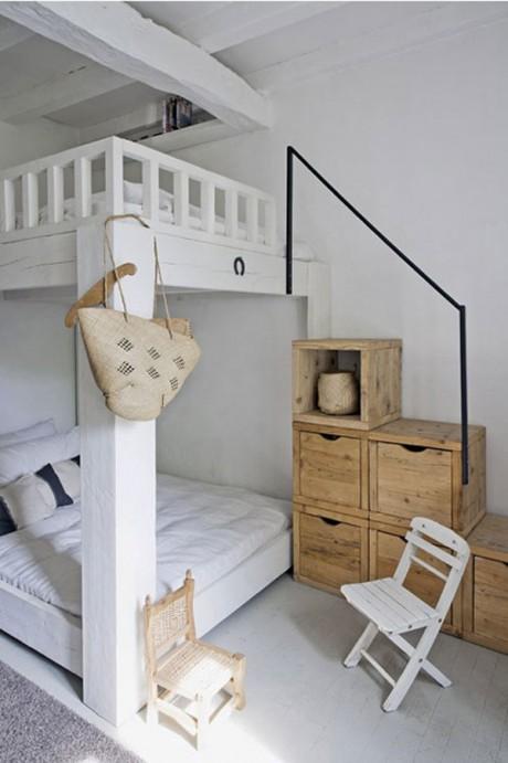 habitación pequeña con literas