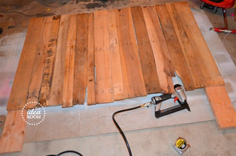 Hacer un cabecero con palets decorar hogar - Tablas madera leroy merlin ...