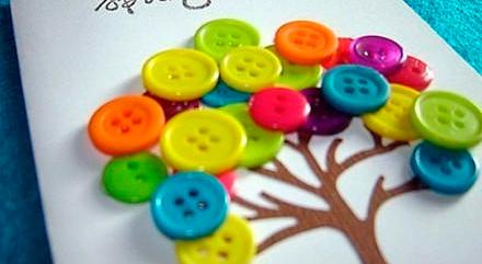 Decorar con botones de colores