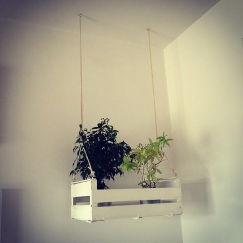 Decorar con cajas de fruta de madera decorar hogar - Como decorar una pared con madera ...