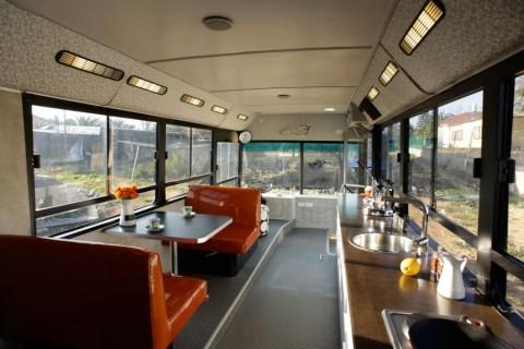 autobus-convertido-en-una-casa-01