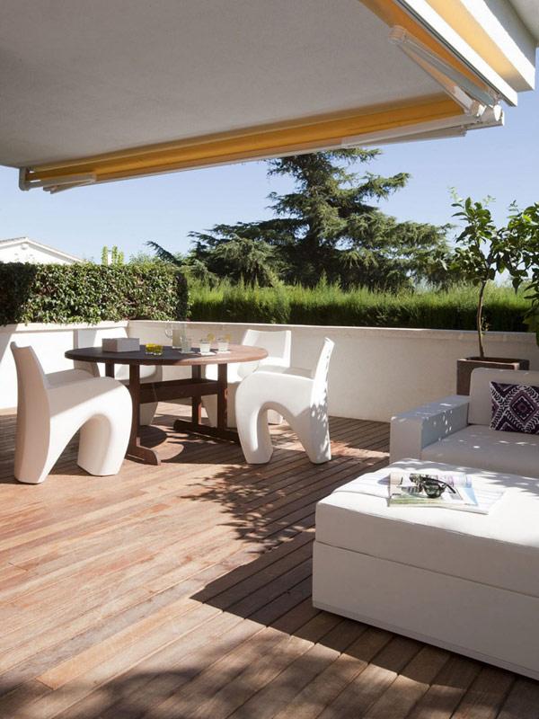casa-decorada-blanco-terraza