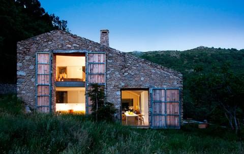 Establo restaurado en casa rústica en Cáceres