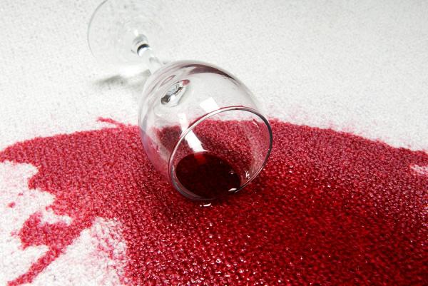 Limpiar manchas de vino de la alfombra