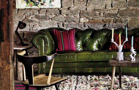 Sofa Chesterfield de cuero rústico