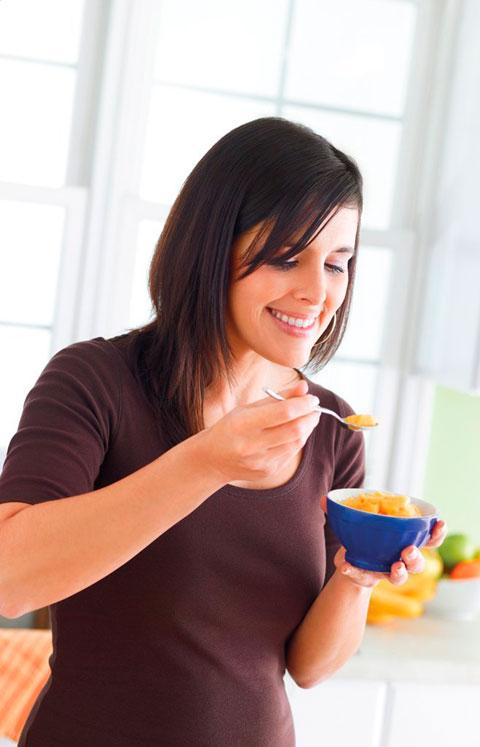 comiendo-helados-naturales