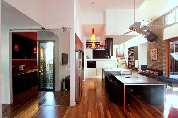 Armario espejo en cocina de estilo industrial