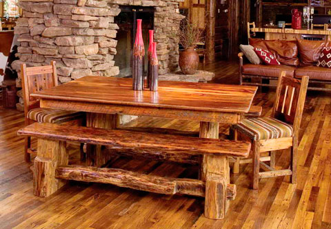 Decoraci n de casas r sticas ideas y trucos decorar hogar for Mesa rustica con sillas modernas