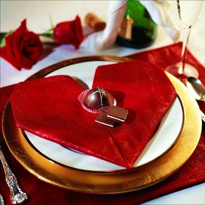 Doblar servilletas con forma de corazon