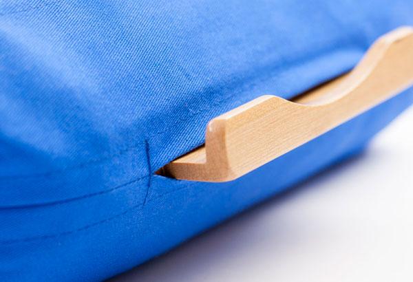 Soporte de madera para apoyar tablets
