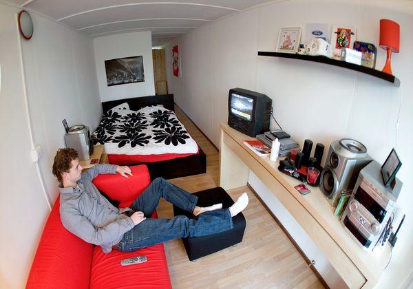 estudiante en su casa contenedor de envo - Casa Contenedor Maritimo