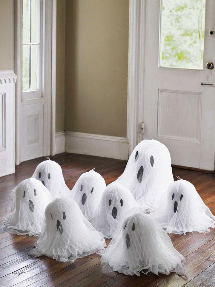 Decoración para Halloween con fantasmas