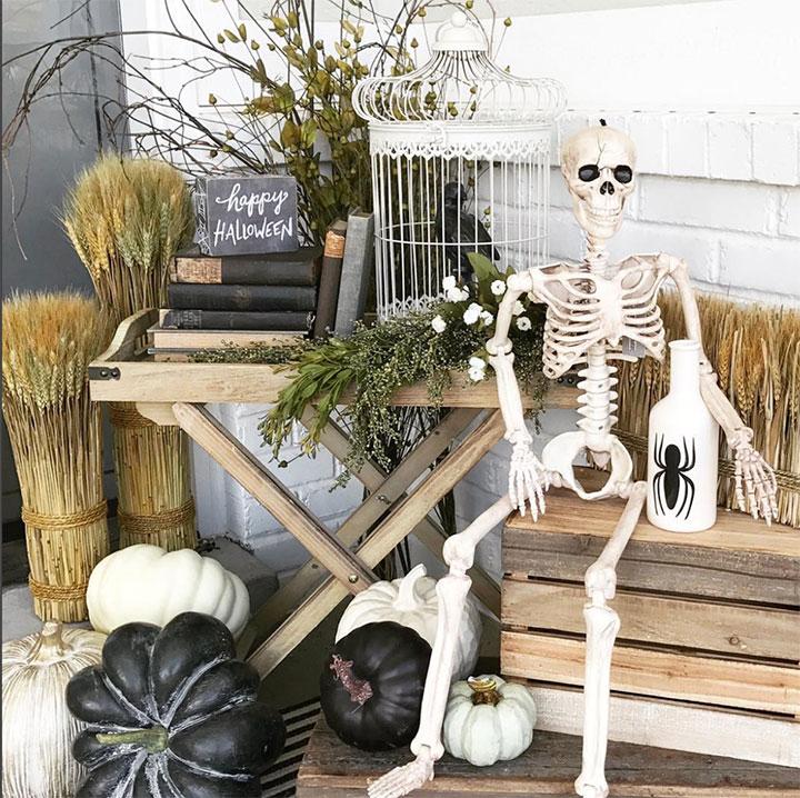 Decorar en Halloween con esqueletos