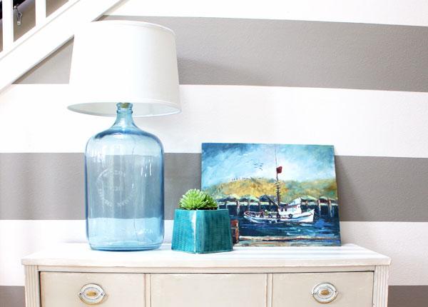 C mo hacer una l mpara con una botella decorar hogar - Como decorar tulipas de lamparas ...