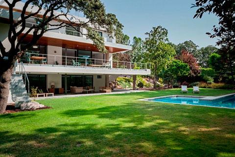 Casa reforma de lujo en la moraleja decorar hogar for Casas con piscina y jardin de lujo