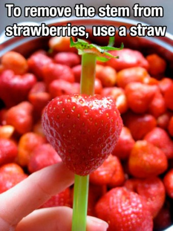 Quitar el tallo de las fresas facilmente