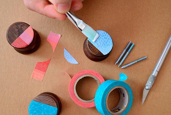 Utilizar pomos de armarios como colgadores decorar hogar - Tiradores decorativos ...