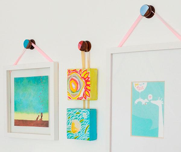 Utilizar pomos de armarios como colgadores decorar hogar - Colgadores de cuadros ...