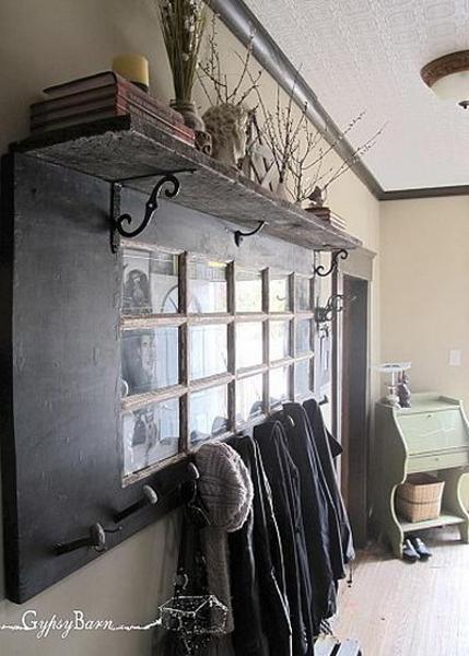 Hacer un perchero reciclando una puerta antigua