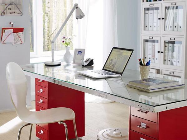 Ideas para reciclar puertas de madera ejemplos - Mesas de escritorio antiguas ...