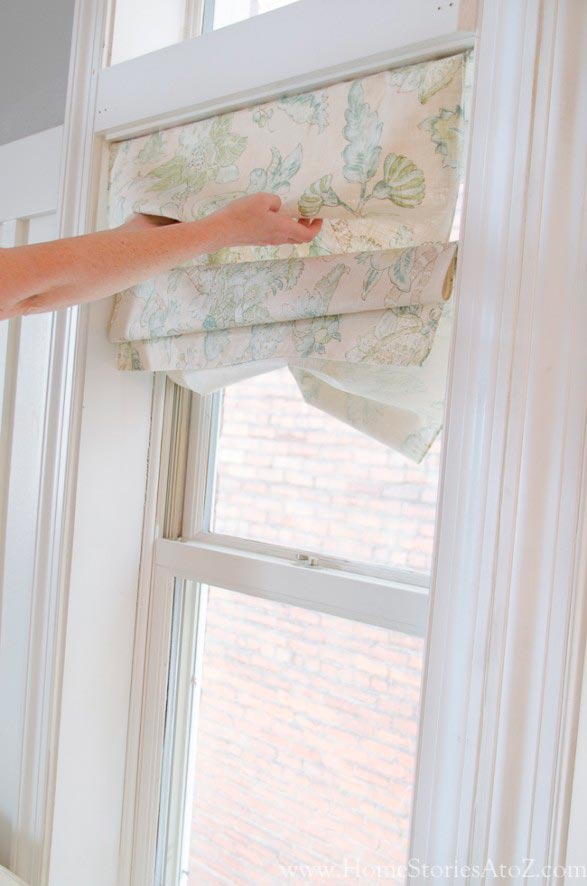 Haciendo las dobleces de la cortina