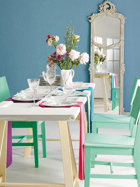 Recicla una puerta de madear como mesa de comedor