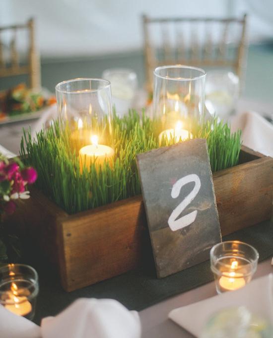 Bonitas velas campestres en una boda