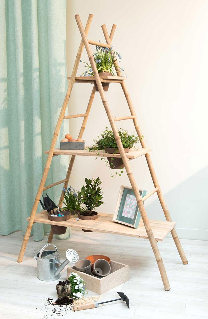 Estante vertical de bambú tipo escalera