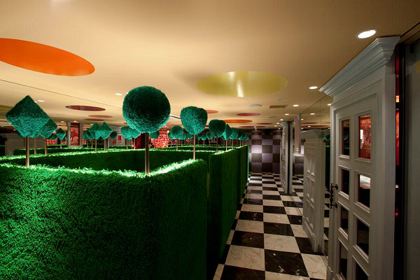 El laberinto de alicia en el restaurante