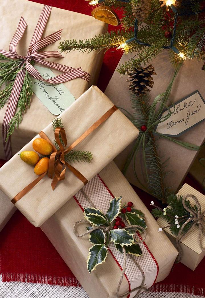 Trucos para envolver regalos de Navidad