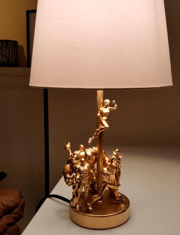 Resultado de hacer la lámpara de superhéroes DIY