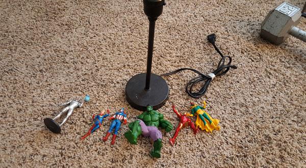Las figuras de acción para hacer la lámpara DIY