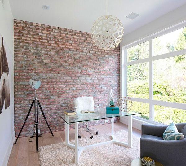oficina retro en casa con pared de ladrillo visto artificial