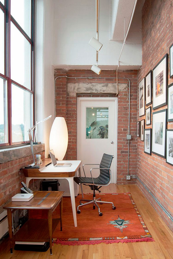Oficinas con pared de ladrillo visto ideas y fotos for Decoracion de oficinas pequenas fotos