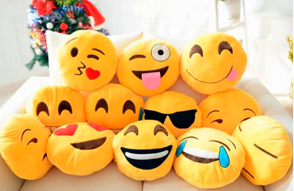 cojines emoji whatsapp peluches emoticonos