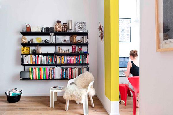 Zona de Oficina abierta en un piso del Eixample de Barcelona