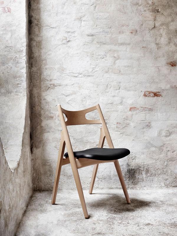 Sillas icónicas del diseño industrial Sawbuck Chair año 1952