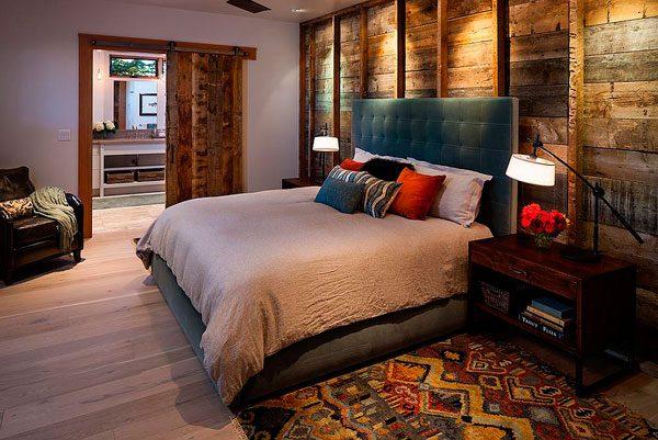 Casa rústica con revestimiento en madera natural