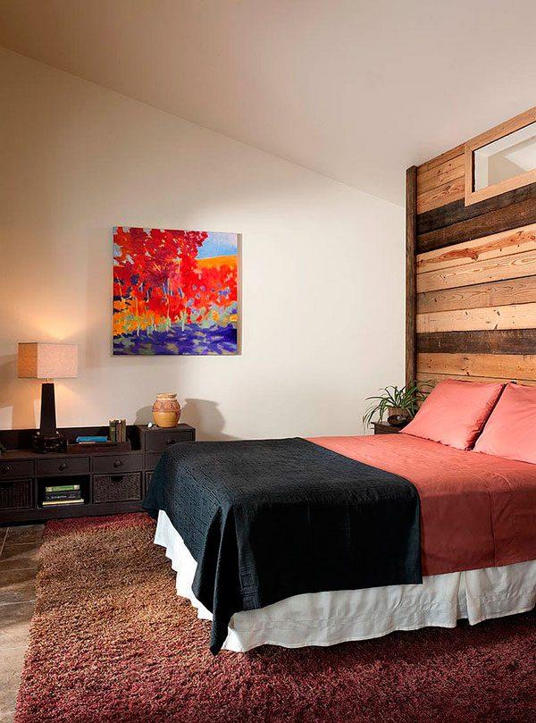 Decorar con madera paredes de dormitorio