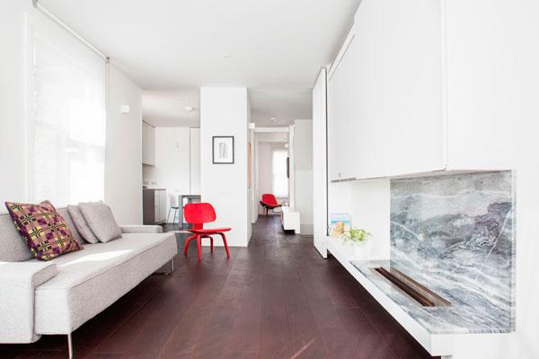 Decorar un salón estrecho con pocos muebles