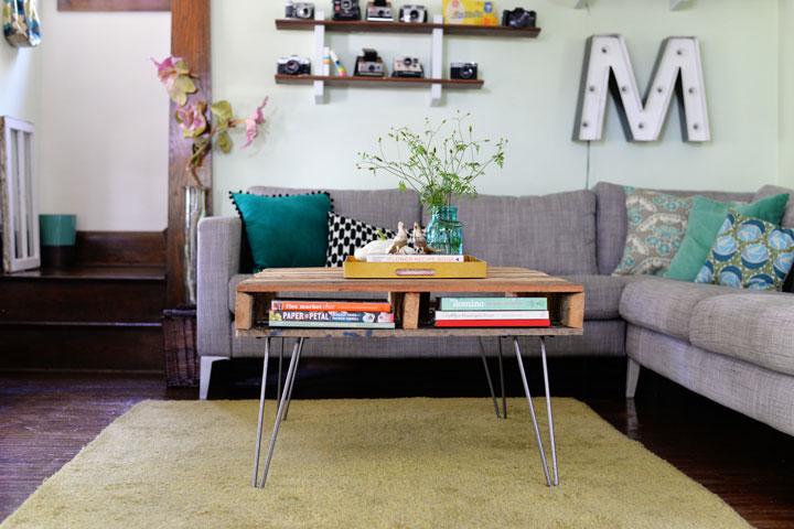 Mesa DIY hecha con palets de madera