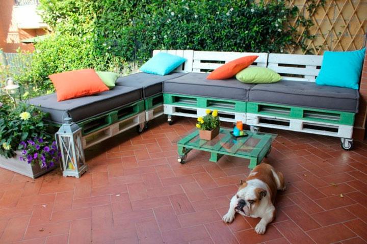 Muebles hechos con palets para el jardín