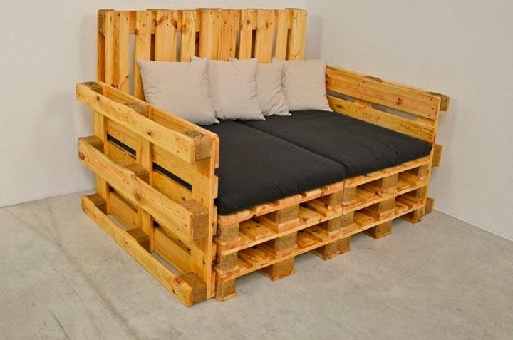 Sillones hechos con palets de madera reciclada