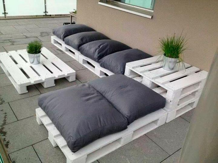 Sofás hechos con palets para la terraza