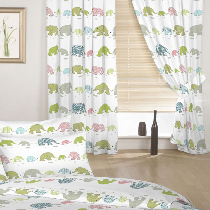 Cortinas infantiles para su dormitorio en 2017 ideas y fotos for Cortinas baratas para dormitorio