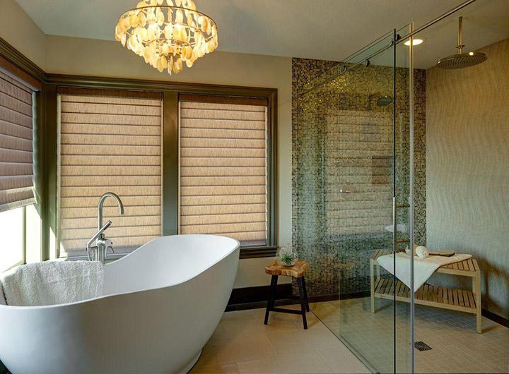 Duchas romanas en baños de lujo
